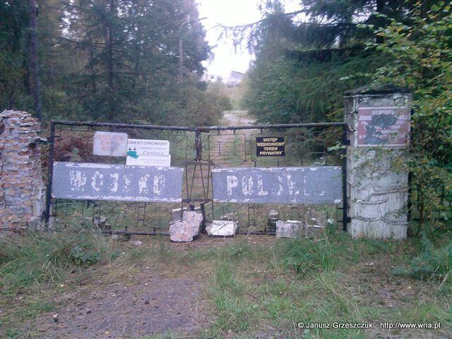 Brama wjazdowa do 70. dr OP m. Łunowo.
